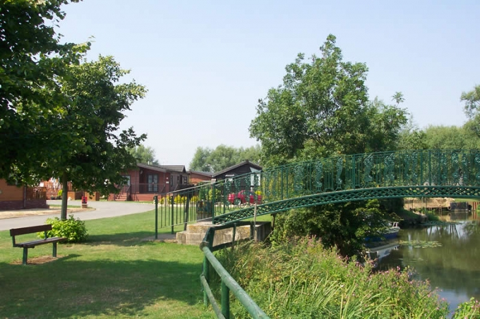 Abbot's Salford Caravan Park - Holiday Park in Evesham, Worcestershire, England