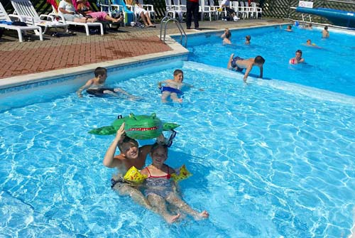 Family holidays at Winchelsea Sands Holiday Park.