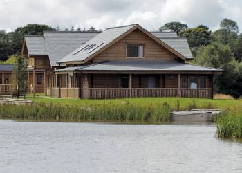 Celtic Lake Lodges - Holiday Park in Lampeter, Pembrokeshire, Wales
