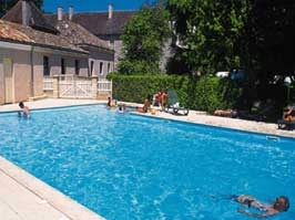 Le Domaine de l'Eperviere - Just one of the great holiday parks in Burgundy, France