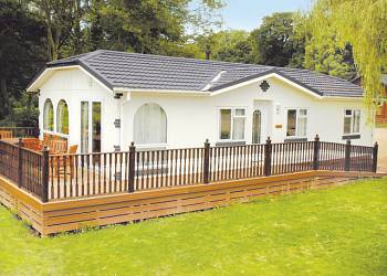 Waveney River Centre - Holiday Park in Beccles, Suffolk, England