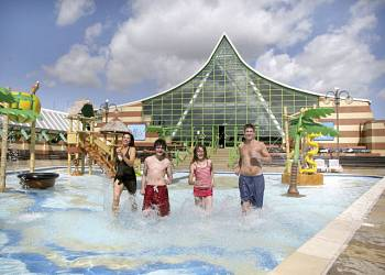 Vauxhall Holiday Park - Holiday Park in Great Yarmouth, Norfolk, England