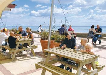 Coopers Beach - Holiday Park in Mersea Island, Essex, England