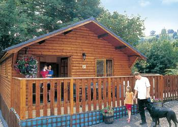Brookside Woodland Lodges - Holiday Park in Bron-y-Garth, Shropshire, England