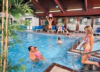 Finlake Lodges - Holiday Park in Newton Abbot, Devon, England