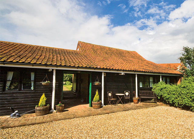 Warren Cottages - Holiday Park in Hundleby, Lincolnshire, England