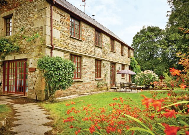 Hengar Cottages - Holiday Park in St Tudy Bodmin, Cornwall, England