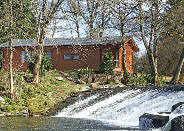 Dollar Riverside Lodges - Holiday Park in Dollar, Highlands, Scotland