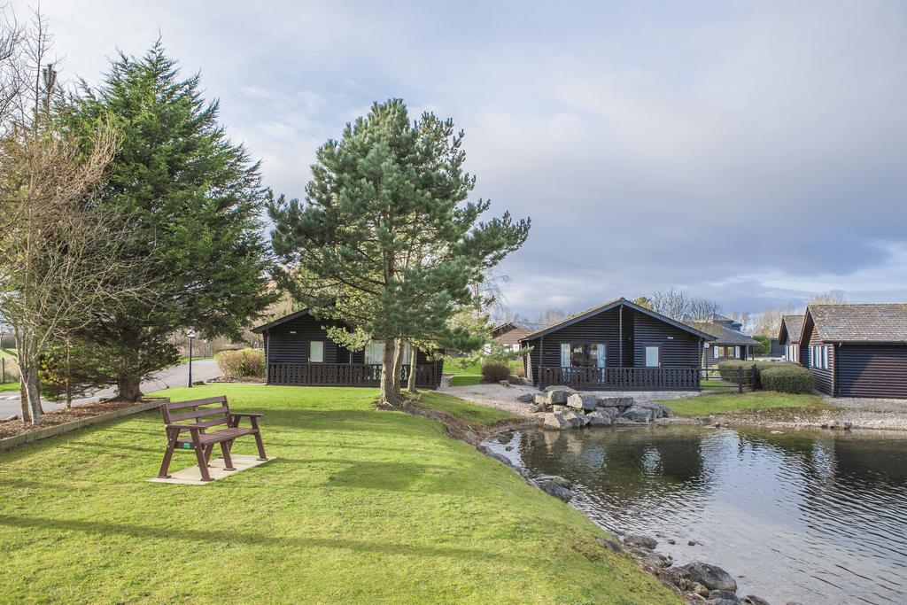 Pine Lake Resort - Holiday Park in Carnforth, Lancashire, England