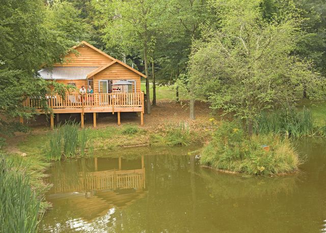 Henlle Hall Woodland Lodges - Holiday Park in Gobowen, Shropshire, England