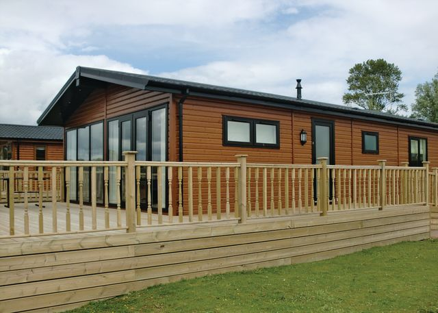 Tallington Lakes Leisure Park - Holiday Park in Stamford, Lincolnshire, England
