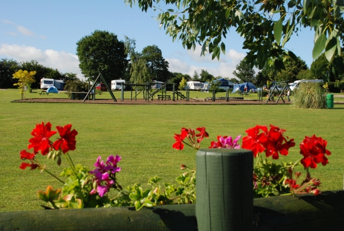 Honeybridge Park - Holiday Park in Horsham, West-Sussex, England
