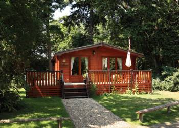 Fritton Lake Woodland Lodges - Holiday Park in Fritton, Norfolk, England