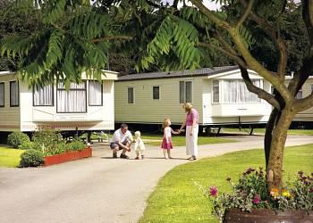 Robin Hood Caravan Park - Holiday Park in Slingsby, Yorkshire, England