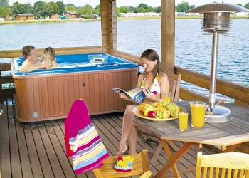 Dacre Lakeside Park - Holiday Park in Driffield, Yorkshire, England