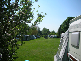 Heyford Leys Camping Park - Holiday Park in Bicester, Oxfordshire, England