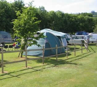 Long Carrant Park - Holiday Park in Evesham, Worcestershire, England