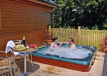 Upton Lakes Lodges - Holiday Park in Cullompton, Devon, England