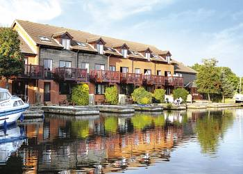 Ferry Marina - Holiday Park in Horning, Norfolk, England