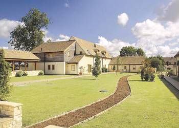 Oaksey Country Cottages - Holiday Park in Oaksey, Wiltshire, England