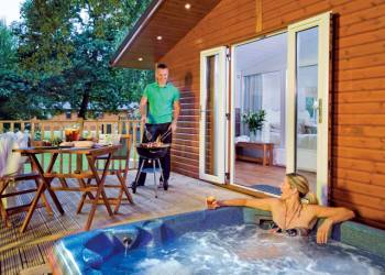 Bluewood Lodges In Oxfordshire