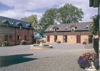 Graig Farm Cottages - Holiday Park in Welshpool, Powys, Wales