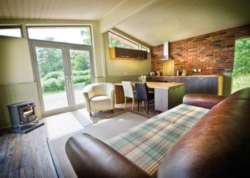 Sherwood Hideaway Lodges - Holiday Park in Newark, Nottinghamshire, England