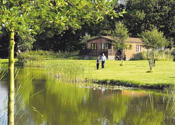 Paradise Lakeside Lodges - Holiday Park in York, Yorkshire, England