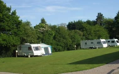Highclere Farm Country Touring Park - Holiday Park in Beaconsfield, Buckinghamshire, England