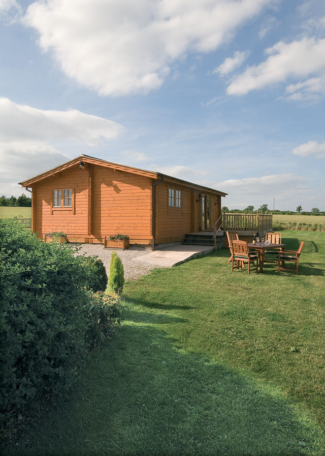 Field Lodge - Holiday Park in Netherseal, Derbyshire, England