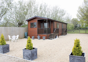 Brook Lodge - Holiday Park in Bledington, Oxfordshire, England