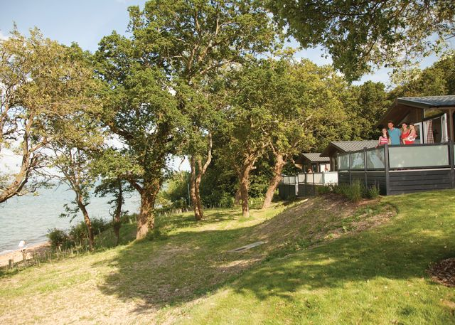 Woodside Lodge Retreat - Holiday Park in Cowes, Isle-of-Wight, England
