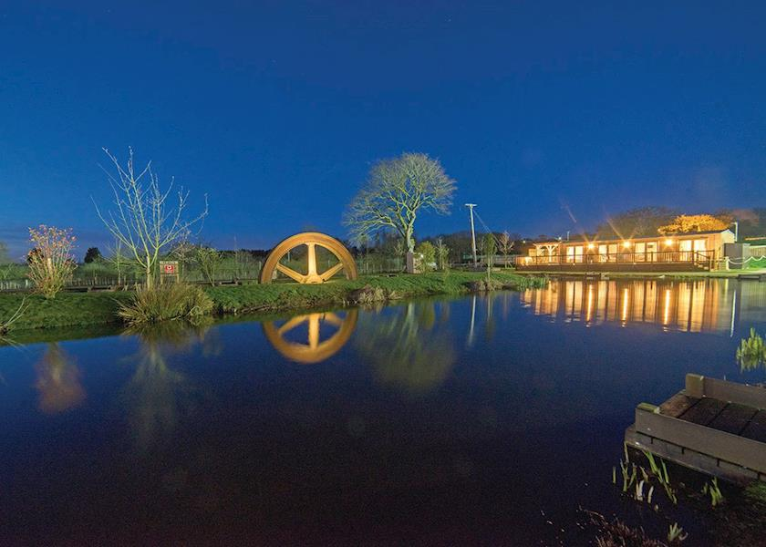 Caistor Lakes Leisure Park - Holiday Park in Caistor, Lincolnshire, England