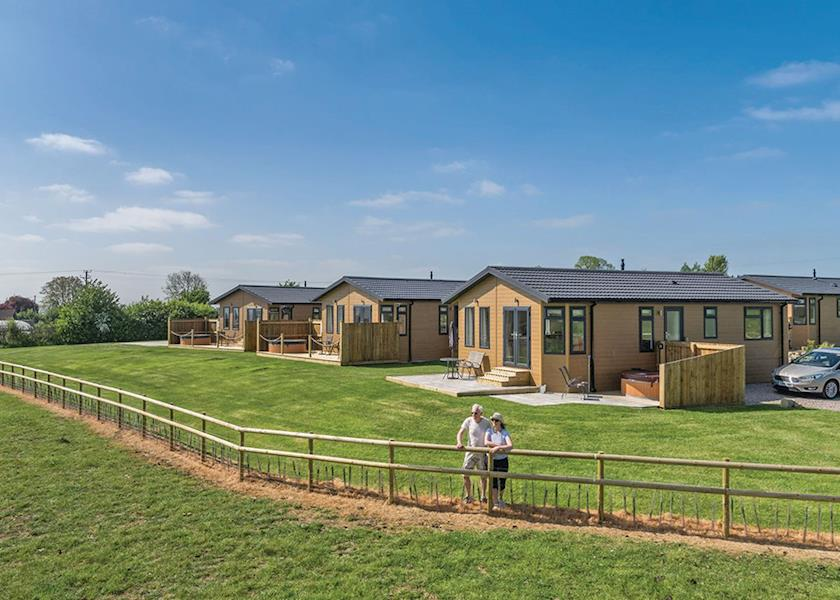 New Oaks Farm Lodges - Holiday Park in Somerton, Somerset, England