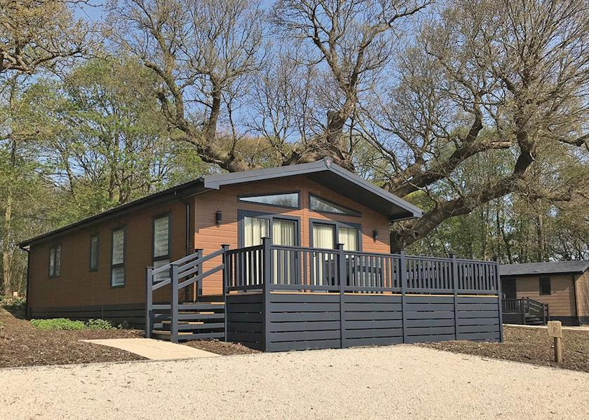 Woolverstone Marina Lodge Park - Holiday Park in Ipswich, Suffolk, England