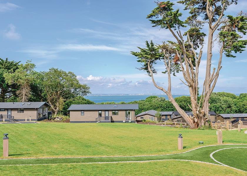 Woodside Bay Lodge Retreat - Holiday Park in Ryde, Isle-of-Wight, England