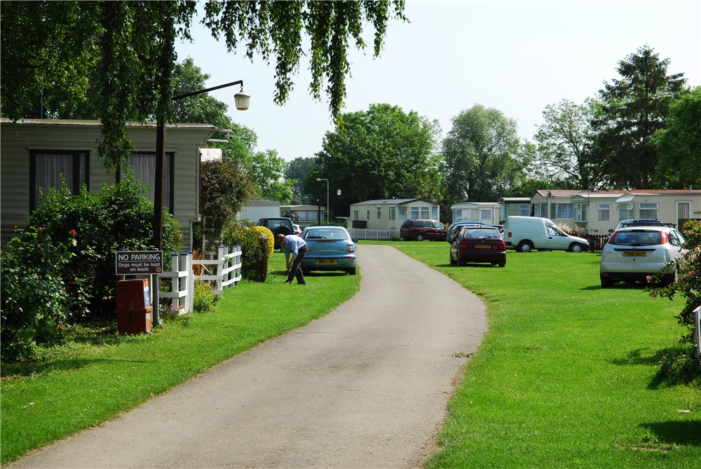 Cogenhoe Mill Holiday Park - Holiday Park in Northampton, Northamptonshire, England