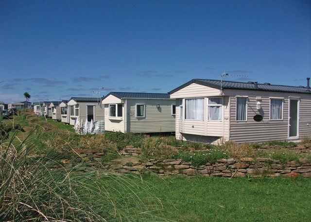 Harlyn Sands Holiday Park - Holiday Park in Padstow, Cornwall, England