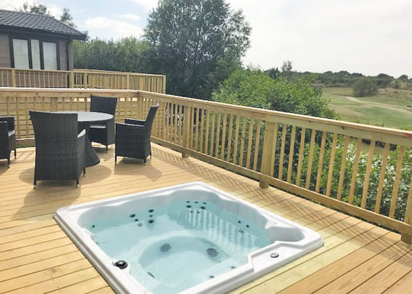 Kingswood Golf Lodges - Holiday Park in Doncaster, Yorkshire, England
