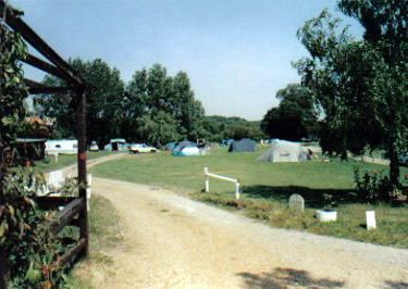 Elms Caravan Park - Holiday Park in Loughton, Essex, England