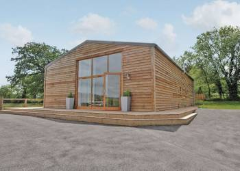 Yew Tree Barn - Holiday Park in Usk, Monmouthshire, Wales