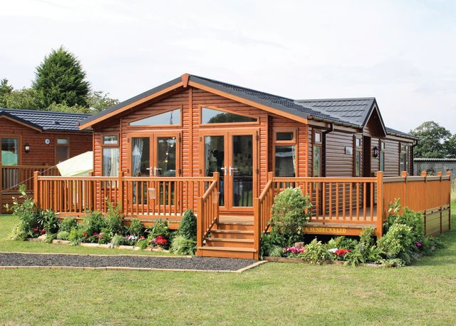 Woodlands Park - Holiday Park in Ashford, Kent, England