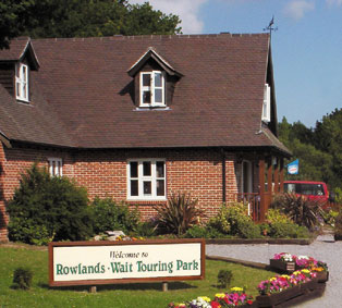 Rowlands Wait Touring Park - Holiday Park in Bere Regis, Dorset, England