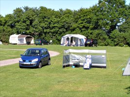 Horam Manor Touring Park - Holiday Park in Heathfield, East-Sussex, England