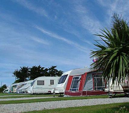 Gunvenna Touring Caravan and Camping Park - Holiday Park in Wadebridge, Cornwall, England