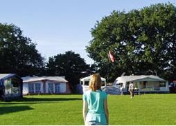 Woolsbridge Manor Farm Caravan Park - Holiday Park in Wimborne, Dorset, England