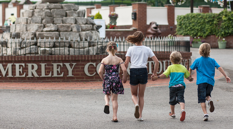 Merley Court Touring Park - Holiday Park in Wimborne, Dorset, England