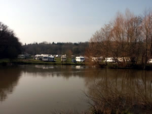 Lyons Gate Caravan Park and Fishery - Holiday Park in Dorchester, Dorset, England