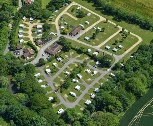 Lytton Lawn Touring Park - Holiday Park in Milford On Sea, Hampshire, England