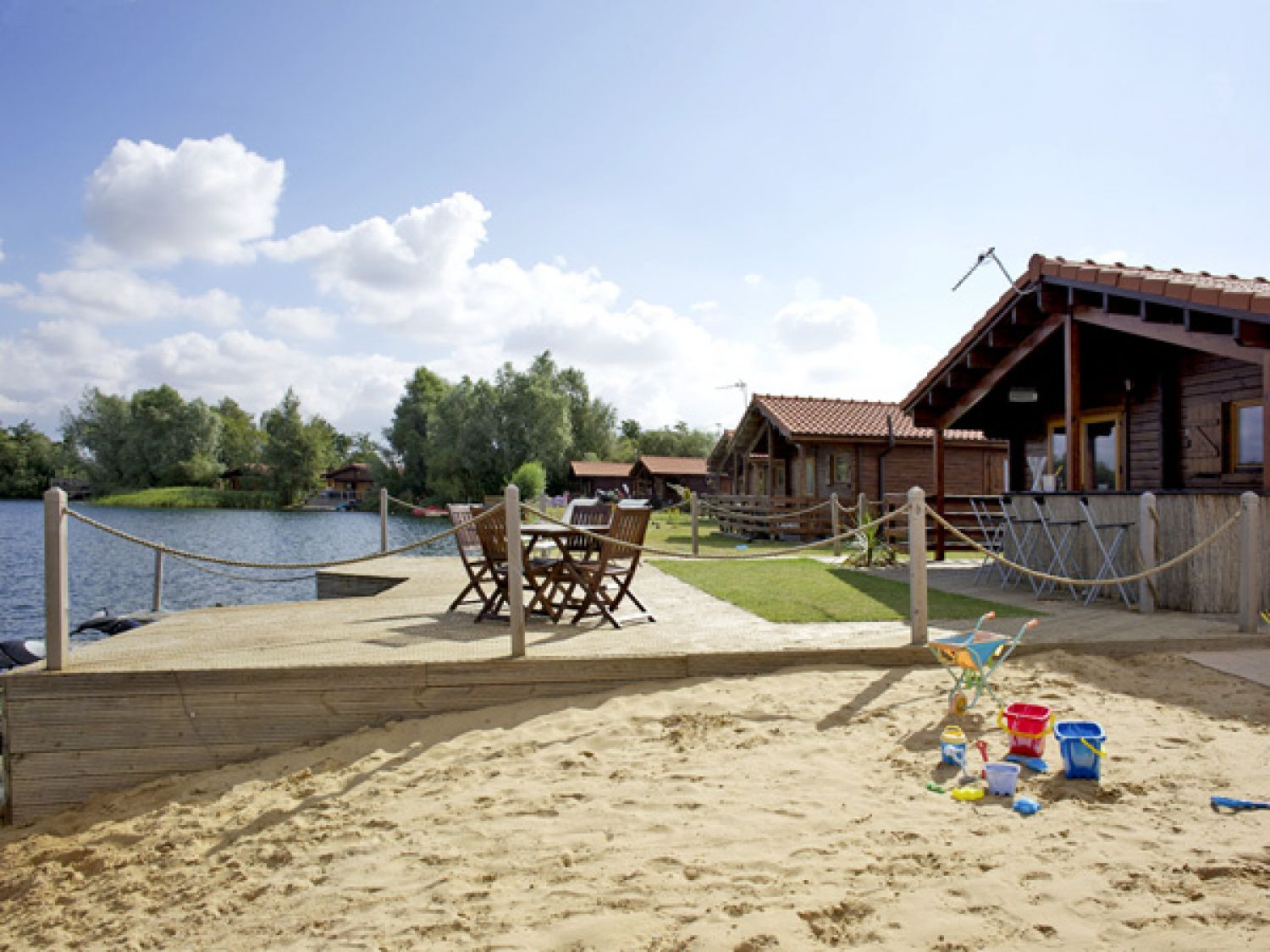 No 24 Tattershall Country Park - Holiday Park in Horncastle, Lincolnshire, England